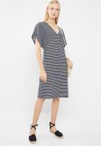 Jacqueline de Yong - Lora short sleeve dress - navy