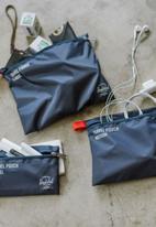 Herschel Supply Co. - Travel pouch set of 3 - navy & red