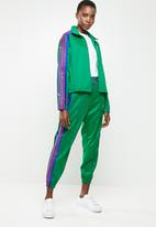 adidas Originals - Lifestyle trackpants - green