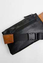 Superbalist - Lee waistbag - brown & black