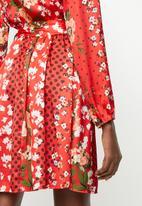 Revenge - Long sleeve contrast wrap dress - red