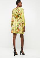 Revenge - Long sleeve contrast wrap dress - yellow