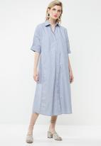 AMANDA LAIRD CHERRY - Thutho shirt dress - blue