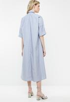 AMANDA LAIRD CHERRY - Thutho shirt dress - blue