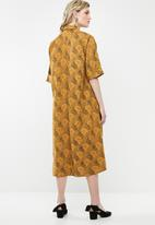 AMANDA LAIRD CHERRY - Thutho shirt dress - orange