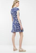 Revenge - Floral tea dress with frills - blue