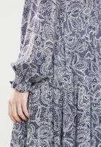 Superbalist - Babydoll tiered dress - blue & neutral