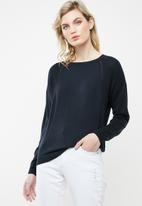Jacqueline de Yong - Brice long sleeve pullover knit - navy