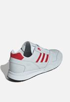 adidas Originals - A.R. trainer - blue tint s18/scarlet/ftwr white