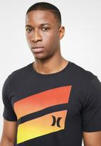 Hurley - Icon slash gradient tee -  black