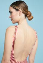 Superbalist - Scoop neck one piece - red & white