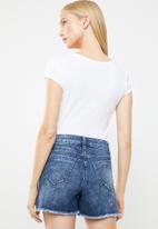 GUESS - Short sleeve bling logo v neck tee - white