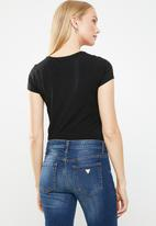 GUESS - Short sleeve core triangle tee - black