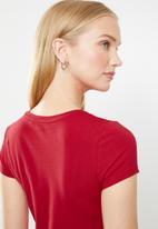 GUESS - Short sleeve lp r3 logo tee - red