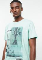 Jack & Jones - Goldie short sleeve crew neck T-shirt - blue