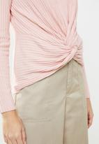New Look - Ribbed twist top - pink