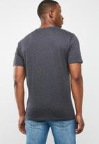 Hurley - Premium one & only solid short sleeve tee - charcoal