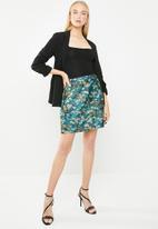 Vero Moda - Wilderness high waisted short skirt - multi