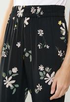 Jacqueline de Yong - Star floral pants - black