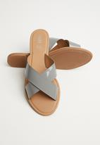 Cotton On - Faux leather slide - grey