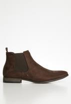 Superbalist - Seth chelsea boot - brown