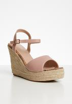 Miss Black - Faux leather wedge heel - pink