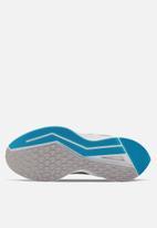 Nike - Zoom Winflo 6 - atmosphere grey/mtlc pewter-off noir