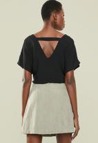 Superbalist - V-neck basic blouse - black