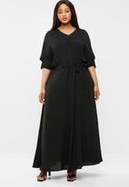 AMANDA LAIRD CHERRY - Plus size antwerp maxi dress - black