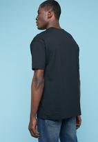 Superbalist - Utility pocket loose fit tee - black
