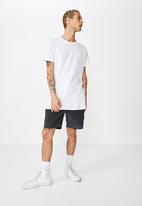 Cotton On - Street volley short - washed black cord