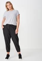 Cotton On - Curve relaxed shirred pant - black