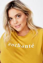Cotton On - Curve graphic tee enchante - yellow