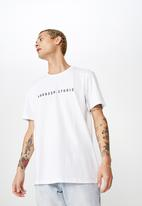 Cotton On - Weekday studio flipped T-shirt - white