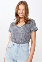 Cotton On - Karly short sleeve v neck top - grey