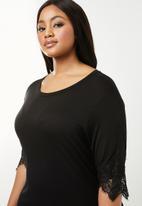 Brave Soul - Curve dress with lace hem - black