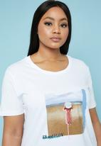 Superbalist - Placement printed tee (plus) - white