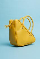 Superbalist - Triangular shape bag - yellow