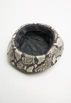 Superbalist - Animal print bucket hat - multi