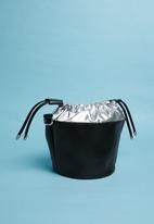 Superbalist - Cheryl metallic bucket bag - silver & black