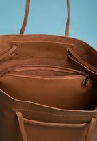 Superbalist - Matt finish tote bag - brown