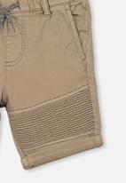 Cotton On - Jango walk short - brown