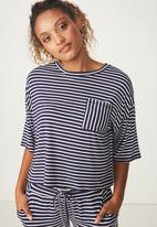Cotton On - Sleep recovery boxy tee - navy & white