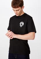 Cotton On - Tbar art short sleeve tee - black