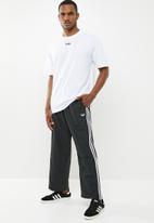 adidas Originals - Vocal short sleeve tee - white