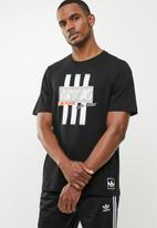 adidas Originals - Bodega logo tee - black