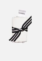 SKOON. - Muslin face cloth - white