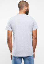 O'Neill - Shredded short sleeve tee - grey
