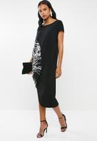 RUFF TUNG - Talia drape dress black & white