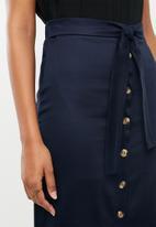 edit - Button down midi skirt - navy